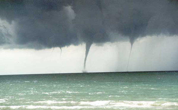 Great_Lakes_Waterspouts