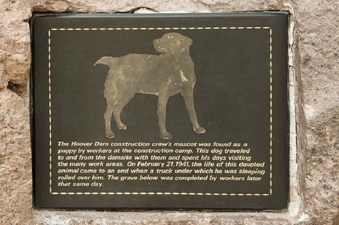 8. Hoover Dam's mascot dog is buried onsite near the Hoover Dam Tour Center.