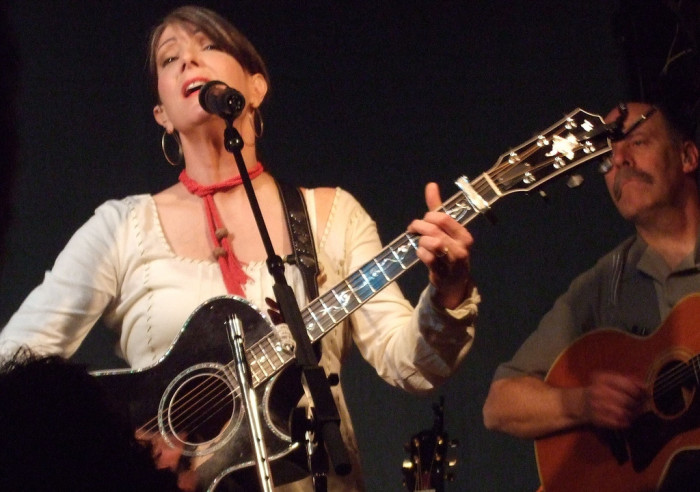 11) Kathy Mattea used to be a tour guide at the Country Music Hall of Fame.