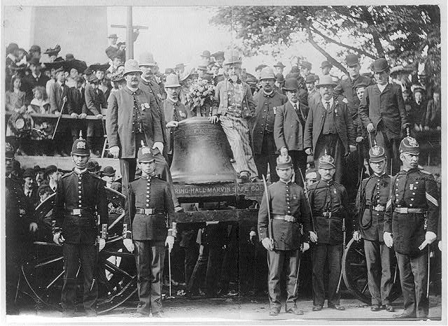 3. The Liberty Bell visits Bunker Hill in 1903; this was when the bell still went on tour.