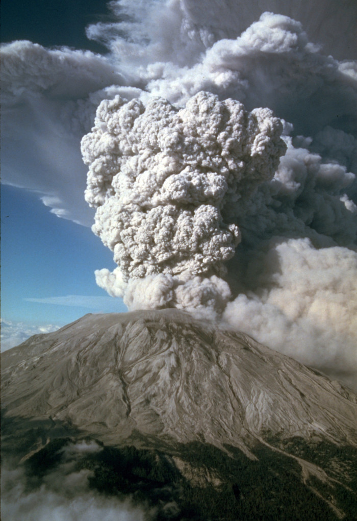 9. After Mount St. Helens erupted, the ash clouds drifted across the entire country in 3 days, and encircled the whole Earth in only 15 days.