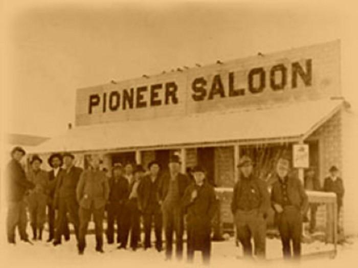 6. Pioneer Saloon - 1913