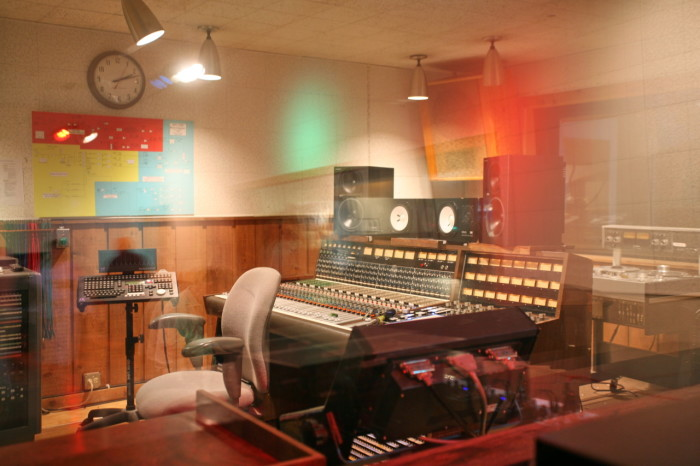 7) Over 200 Elvis songs were recorded at RCA Studio B.