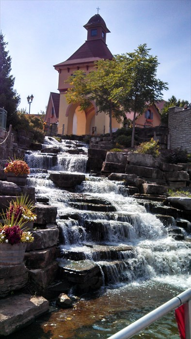 5. River Place Shopping Village, Frankenmuth