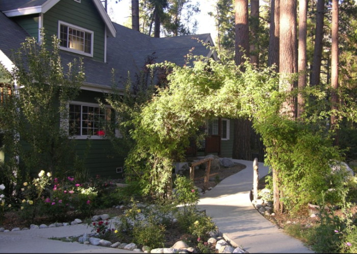 4. Rainbow Inn Bed and Breakfast in Idyllwild