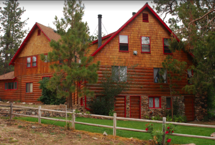 1. Gold Mountain Manor Bed and Breakfast in Big Bear