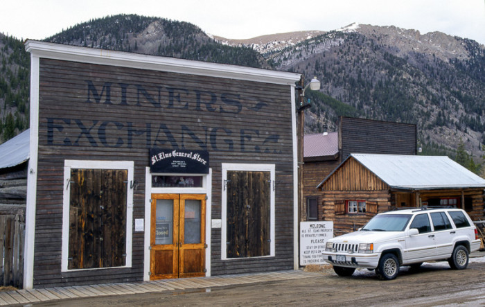 St._Elmo_ghost_town_general_store-700x443