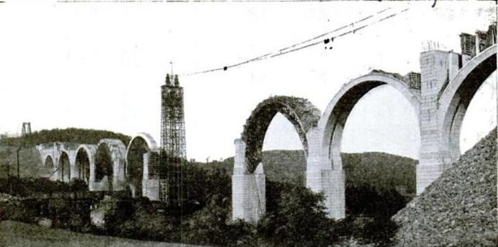 Tunkhannock_Viaduct_under_construction_1914