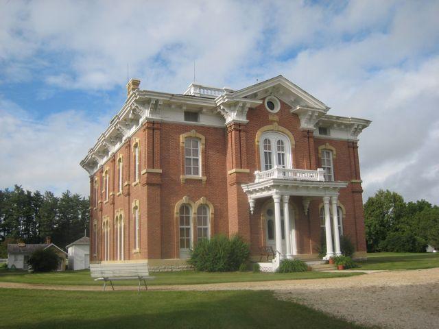 13. Montauk Mansion, Clermont