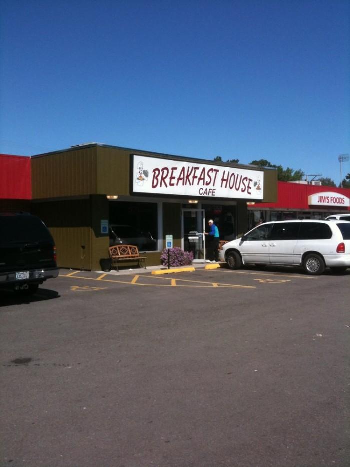 4. Breakfast House Cafe, Cedar Rapids