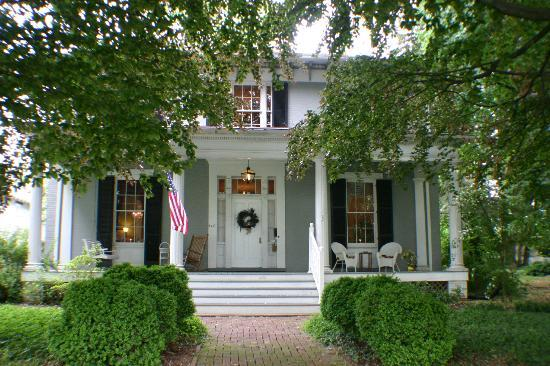 5. Carriage Inn bed and breakfast in Charles Town