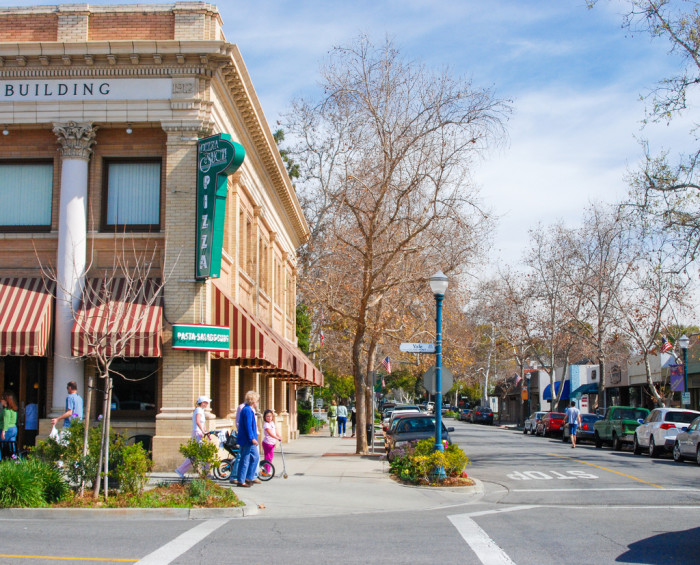 10 More Charming Small Towns In Southern California