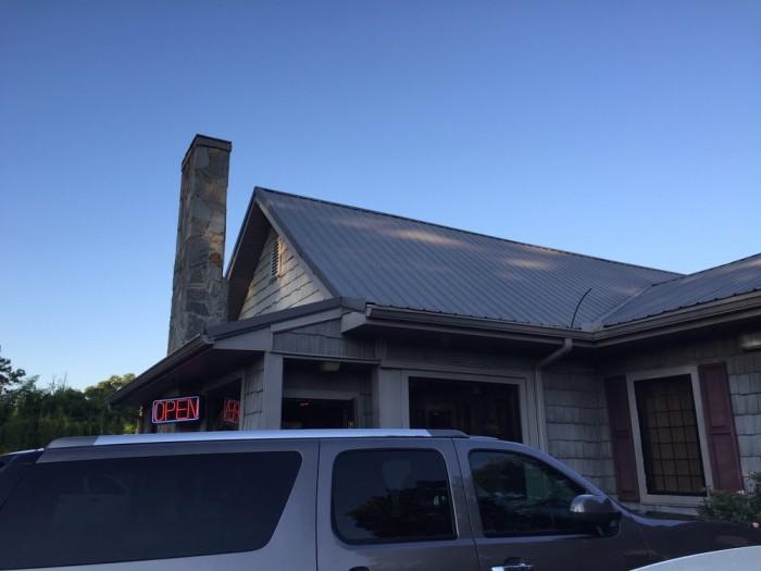 4. Falls View Restaurant—42 Towaliga River Dr, Jackson, GA 30233