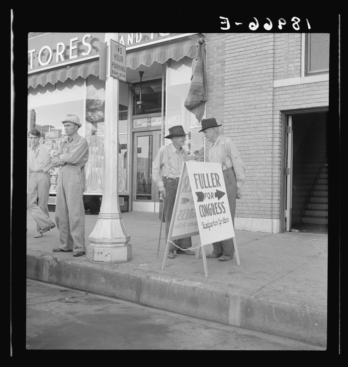 1. Fayetteville Town Square, 1938