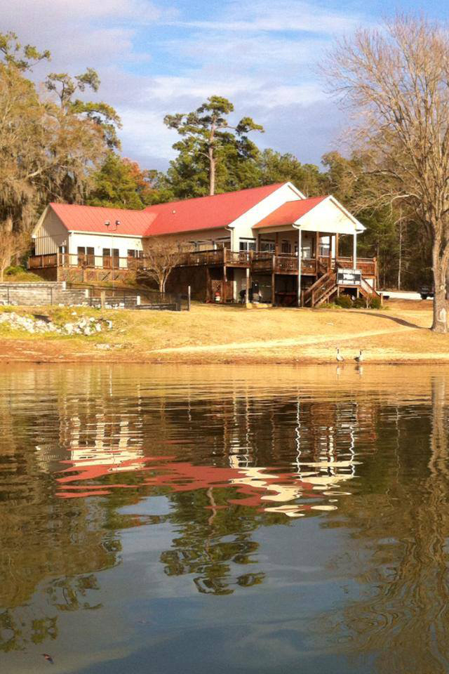 Town And Country Greenwood Sc >> 13 Restaurants With The Best Views In South Carolina