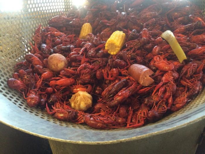 4) Crawfish Boil at Frankie and Johnny's