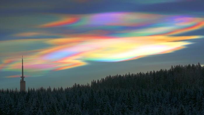 14. Nacreous Clouds in Alaska