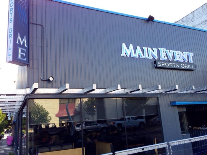 8. Main Event Sport Grill, Vancouver (Downtown & Eastside)