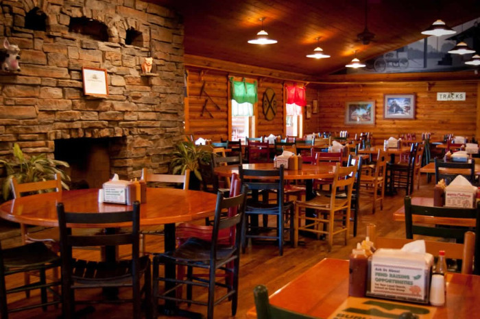 10. Mutts BBQ Restaurant - 101 W Rd, Greer, SC 29650