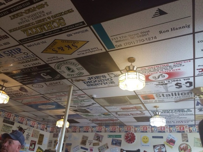 3. Lonnie's Roadhouse Cafe - Williston