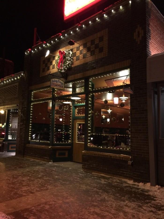 1.  Juicy Lucy's Steakhouse (Glenwood Springs)