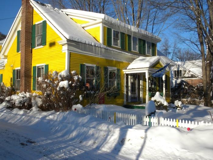 4.  The Woodstocker Inn - 61 River St.,  Woodstock