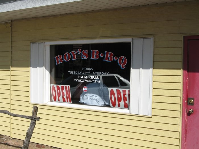 1. Roy's Hickory Pit BBQ (Hutchinson)