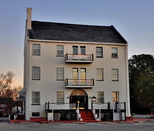 1. The Historic Harvey Mansion and Inn, New Bern