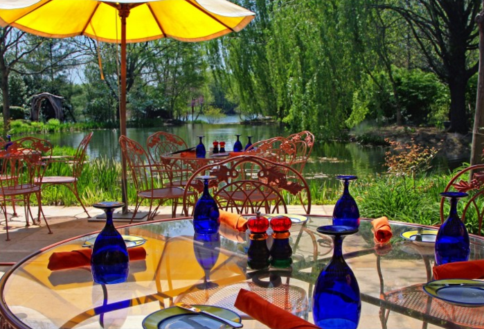 To top it all off, there is a restaurant on the property inspired by a Claude Monet painting.