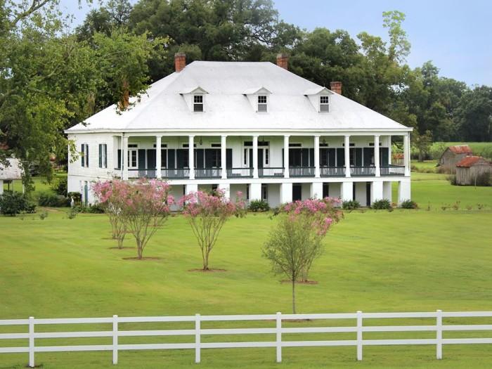 14 Historic Plantations In Louisiana