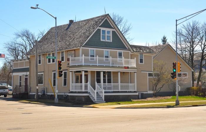 8. Sobelmans Pub and Grill