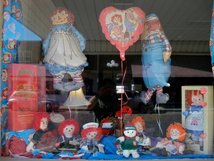 8. Raggedy Ann and Andy are all the rage here.