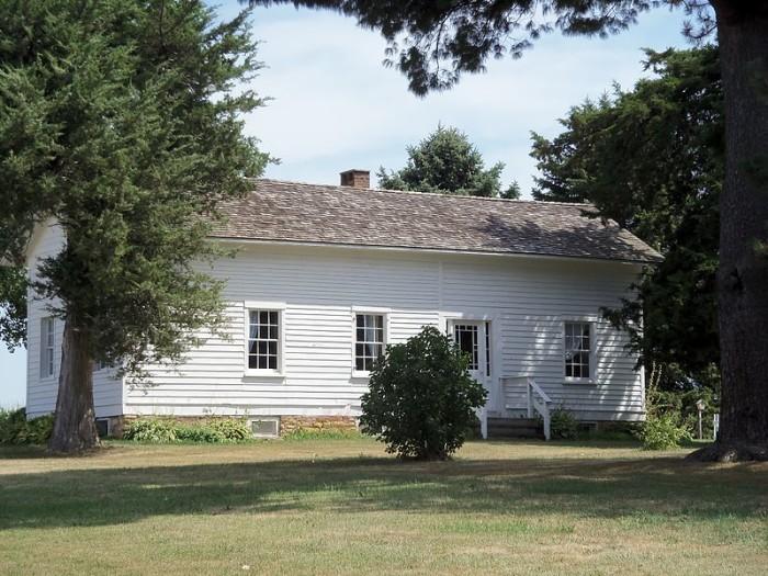 17. Brownlie House, Long Grove