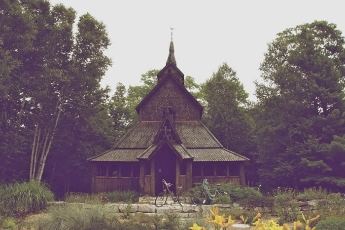 2. This style of Norwegian churches were popular around roughly 1150 AD.