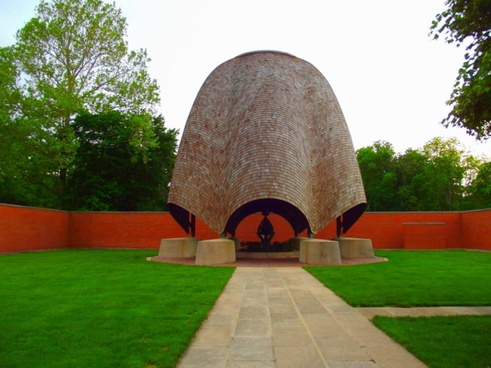 4) Roofless Church