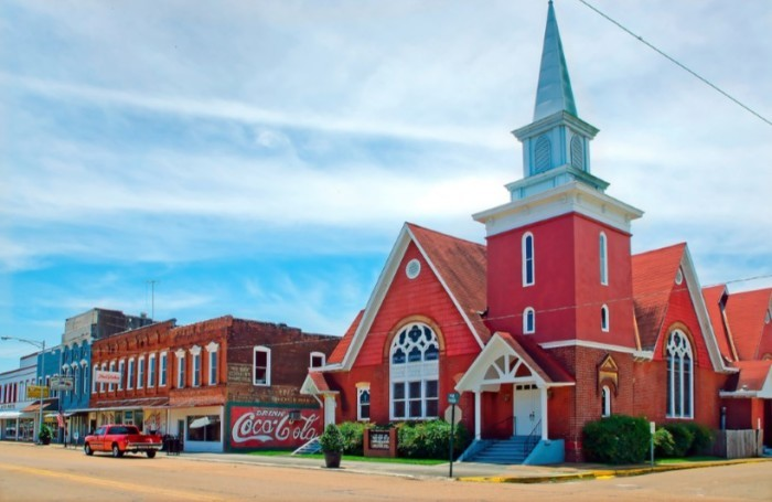 1. Charming small towns where knowing everyone's name is the norm.