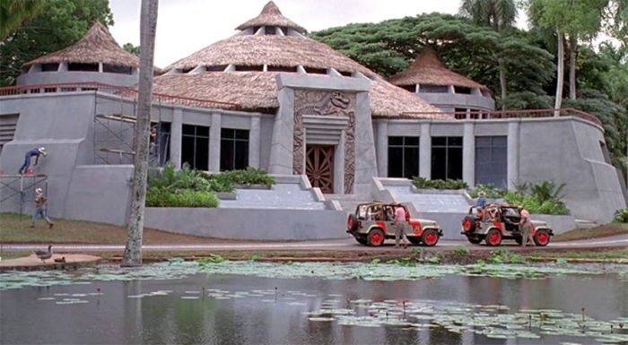 10. The Valley House Plantation Estate was transformed into the exterior of the Visitor's Center, while the interior shots were filmed in an L.A. studio.