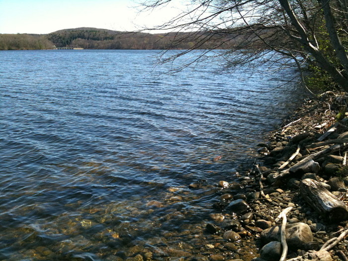 3. Lake Lillinonah is the second-largest lake in Connecticut. Also located in Fairfield and Litchfield counties, this man-made lake is a jewel.