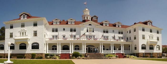 1024px-Stanley_Hotel,_Estes_Park