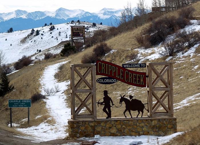 1024px-Welcome_to_Cripple_Creek_Colorado