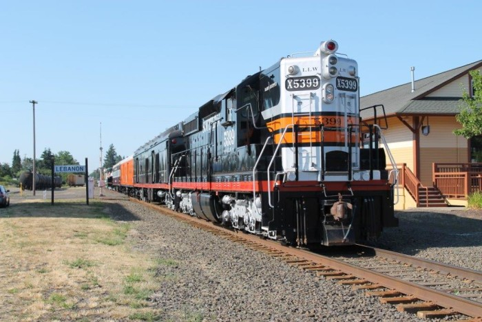 5. Santiam Excursion Trains