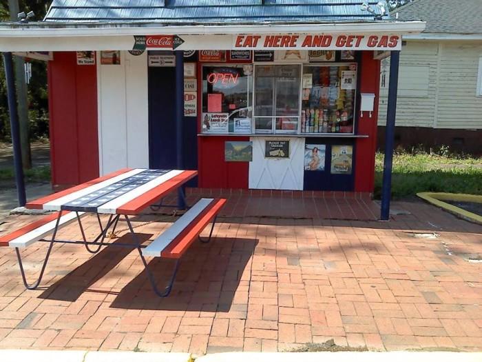 5. Lafayette Lunch Box, Shelby