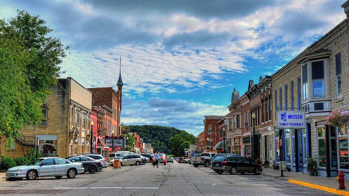 15 Hidden Gem Midwest Towns That You Must Visit