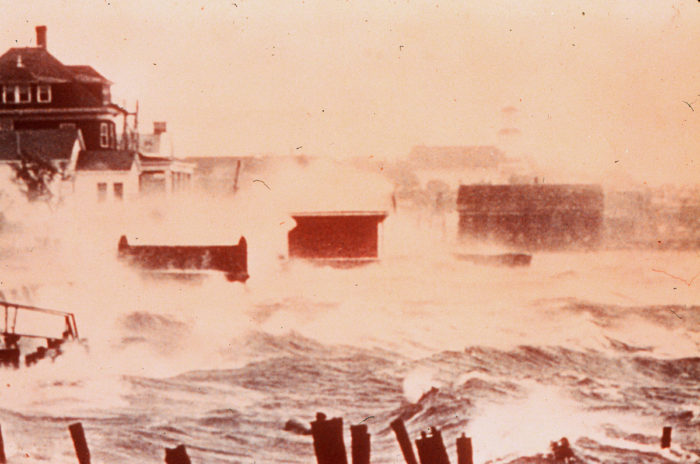 1200px-Hurricane_Carol_Storm_Surge_in_color_1954