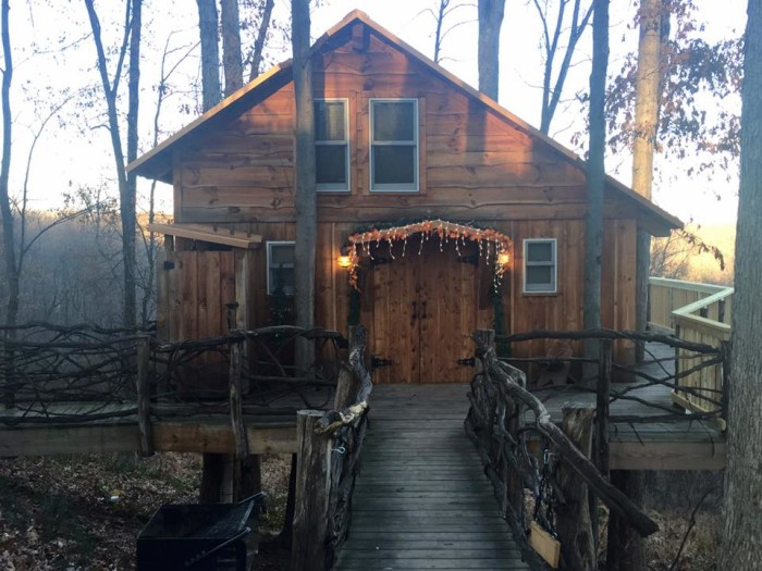 3. The Mohicans Treehouses (Glenmont)