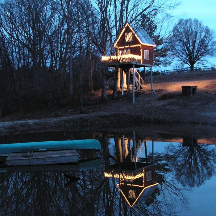 Many even let you rent your own cabin on the property, like Treehouse Vineyards pictured below.