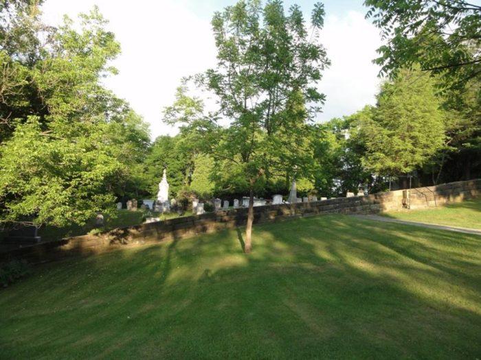 9. God's Acre Cemetery, Bethany