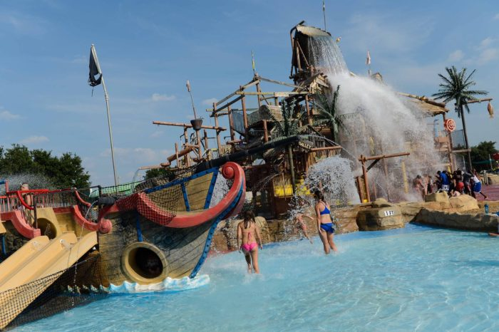4. Six Flags Over Texas in San Antonio and Dallas pack in all of the fun with their own waterpark to compliment the other amusements.