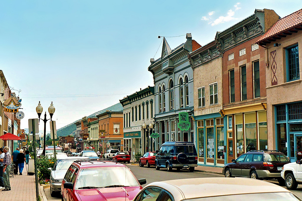 12 small and friendly towns in colorado for Small towns in tennessee near memphis