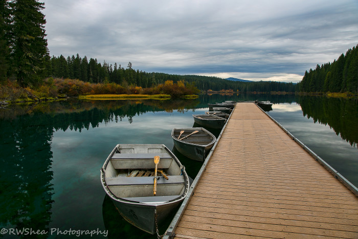 13 gorgeous lakes in oregon for Clear lake oregon fishing